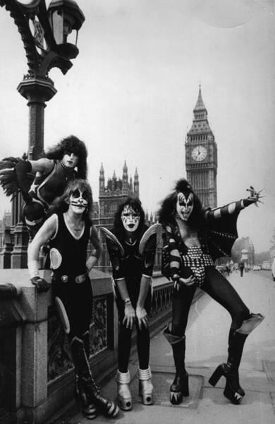 Glam Rock Wall Art - Photograph - Westminster Kiss by Peter Cade