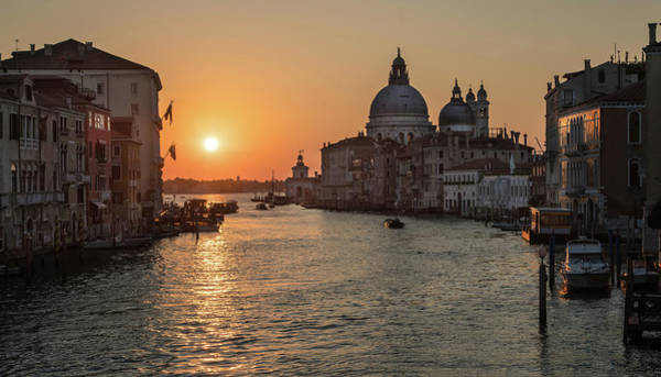 Venezia Wall Art - Photograph - When The New Day Begins by Jaroslaw Blaminsky