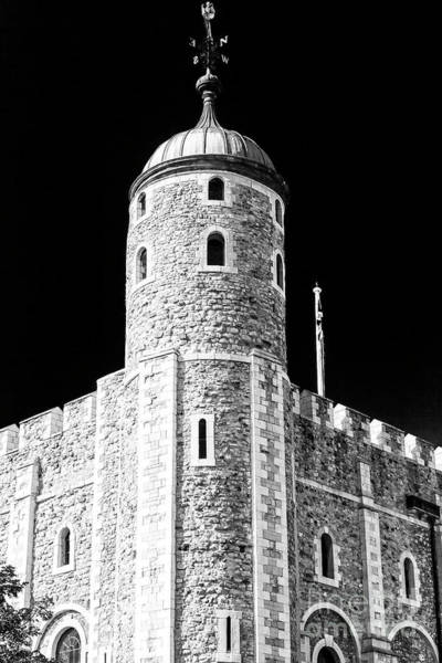 Wall Art - Photograph - White Tower Windows At The Tower Of London by John Rizzuto