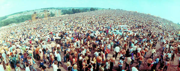 Wall Art - Photograph - Wide-angle Overall Of Huge Crowd Facing by John Dominis