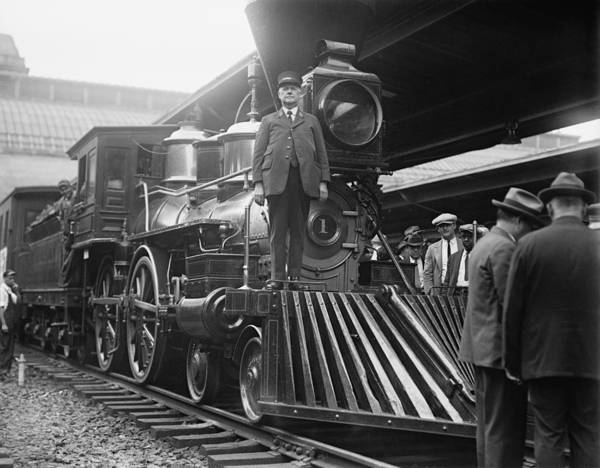 Wall Art - Photograph - William Crooks 4-4-0 Steam Locomotive by War Is Hell Store