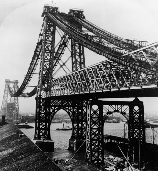 Williamsburg Photograph - Williamsburg Bridge Under Construction by Hulton Archive