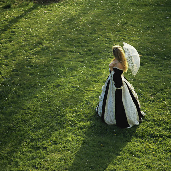 Elizabethan Wall Art - Photograph - Woman In Gown Carrying Parasol by Aaron Mccoy