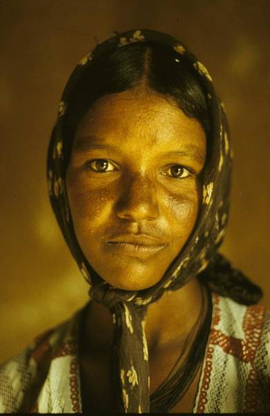 Photograph - Woman In Niger - by Herve Gloaguen