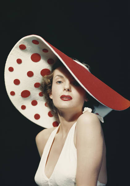 Photograph - Woman Wearing Large Spotted Hat by Tom Kelley Archive
