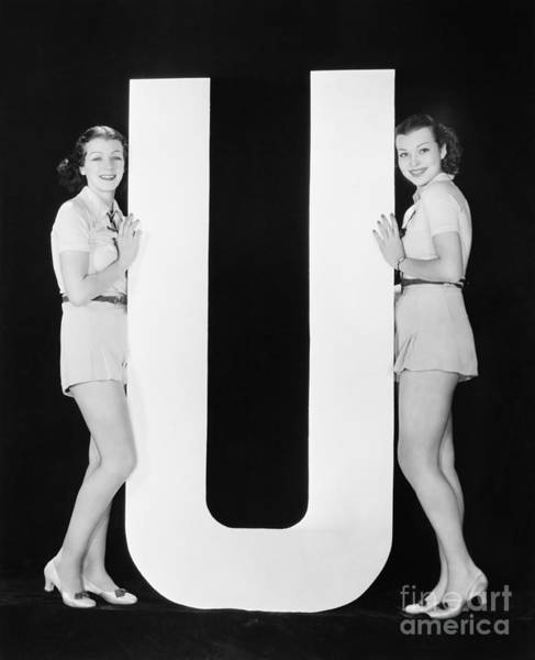 Two Friends Wall Art - Photograph - Women Posing With Huge Letter U by Everett Collection