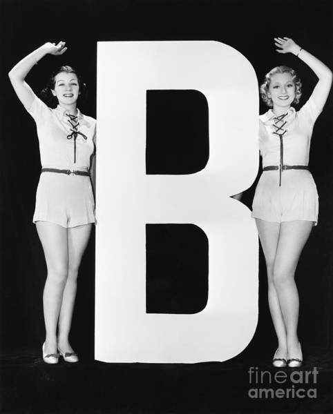 Two Friends Wall Art - Photograph - Women Waving With Huge Letter B by Everett Collection