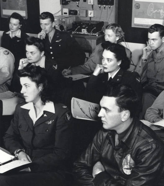 Wall Art - Photograph - Wwii, Romulus Army Airfield Classroom by Science Source