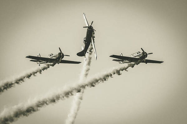 Yakovlev Photograph - Yaks Aerobatics by Ramabhadran Thirupattur
