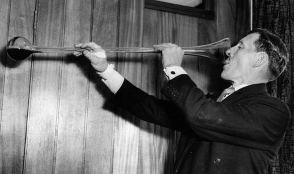 1958 Photograph - Yard Of Ale by Ron Burton