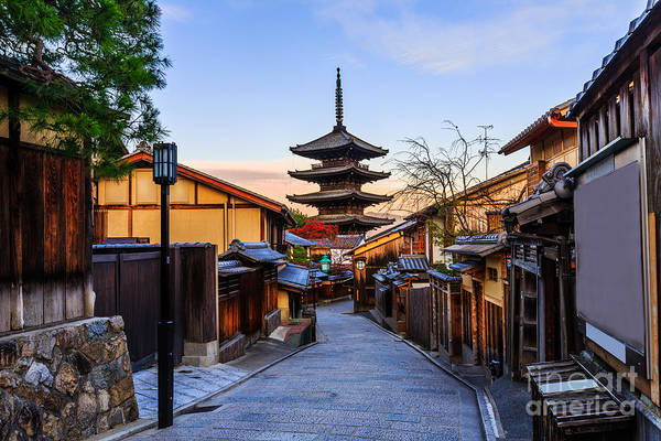 Kansai Wall Art - Photograph - Yasaka Pagoda And Sannen Zaka Street In by Krunja