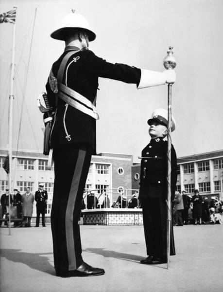 Uniform Photograph - Young Boy In Uniform At Navy Ceremony by Keystone-france