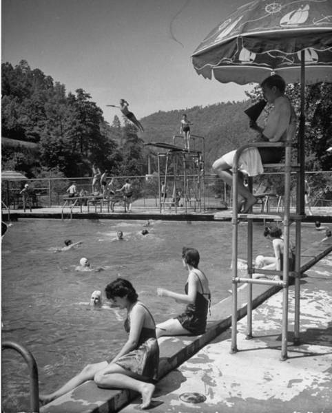 Natural Pool Photograph - Youths At Public Swimming Pool In Coal by Alfred Eisenstaedt