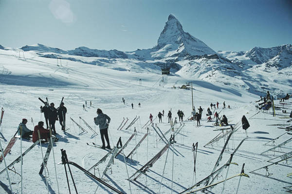 Sport Photograph - Zermatt Skiing by Slim Aarons