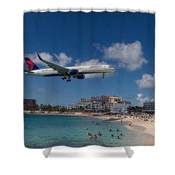 Delta Air Lines Landing At St Maarten Shower Curtain