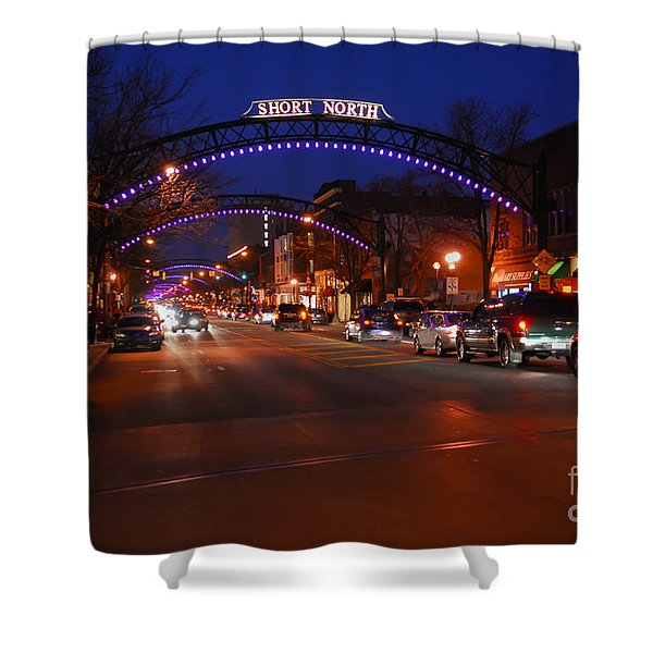 D8l-353 Short North Gallery Hop Photo Shower Curtain