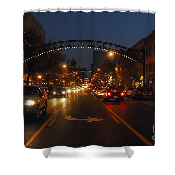 D8l-152 Short North Gallery Hop Photo Shower Curtain