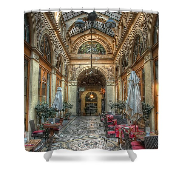 A Priori The Shower Curtain
