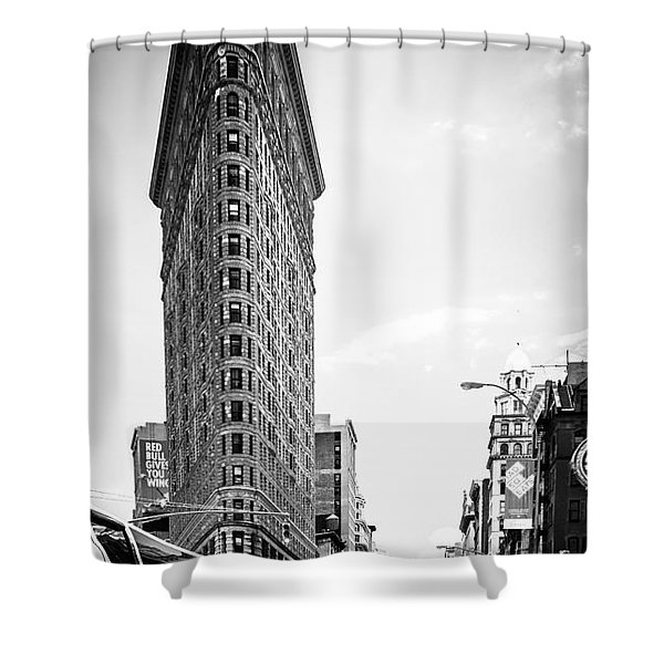 Big In The Big Apple - Bw Shower Curtain