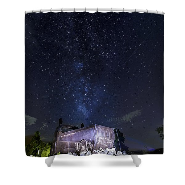 Big Muskie Bucket Milky Way And A Shooting Star Shower Curtain
