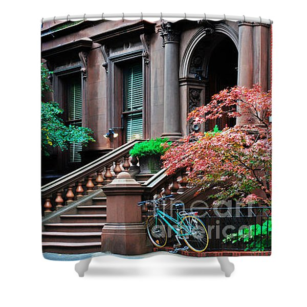 Brooklyn Heights - Nyc - Classic Building And Bike Shower Curtain