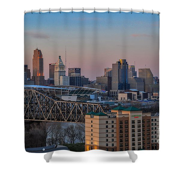 D9u-876 Cincinnati Ohio Skyline Photo Shower Curtain