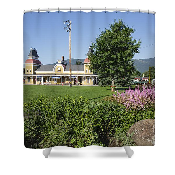 Shower Curtain featuring the photograph Conway Scenic Railroad - North Conway New Hampshire Usa by Erin Paul Donovan