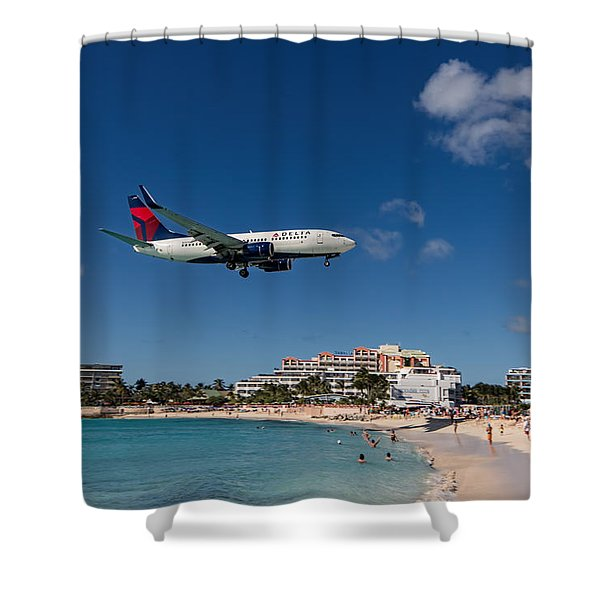 Delta 737 St. Maarten Landing Shower Curtain