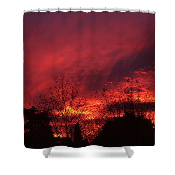 Shower Curtain featuring the photograph Dundee Sunset by Jeremy Hayden