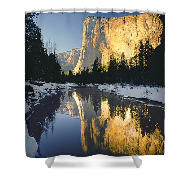 2m6542-el Cap Reflect Shower Curtain
