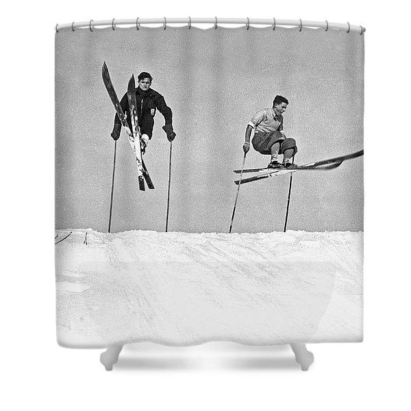 Gelandesprungs In St-sauveur Shower Curtain