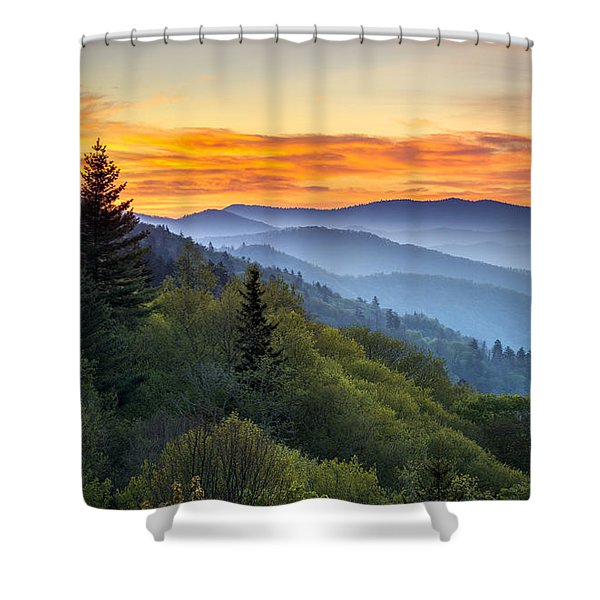 Great Smoky Mountains National Park - Morning Haze At Oconaluftee Shower Curtain