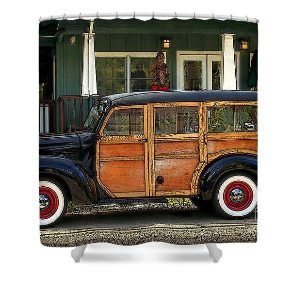 Hawaiian Woody Shower Curtain
