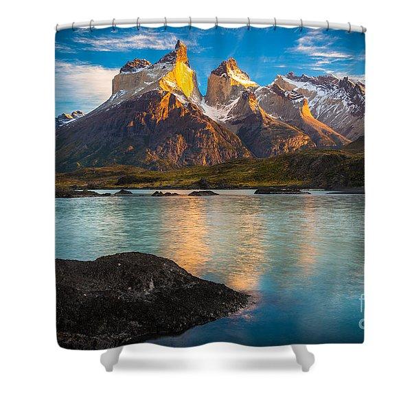 Lago Nordenskjold Shower Curtain