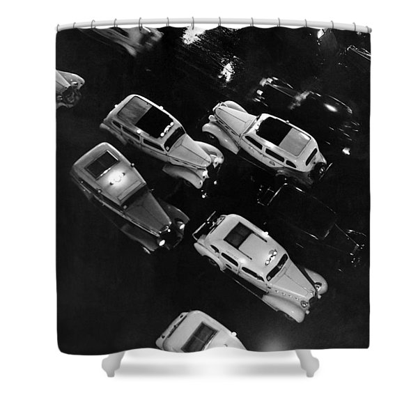 Ny Taxis On A Rainy Night Shower Curtain