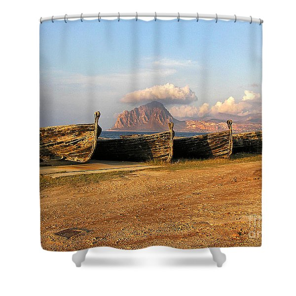 Shower Curtain featuring the photograph Aquatic Dream Of Sicily by Silva Wischeropp