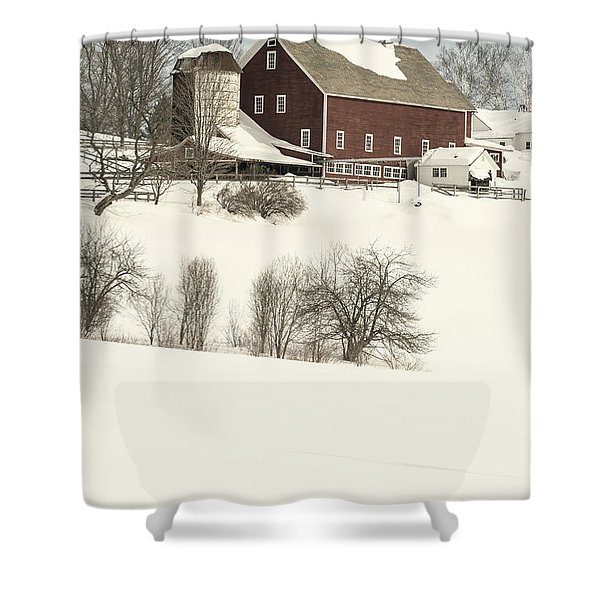Old Red New England Barn In Winter Shower Curtain