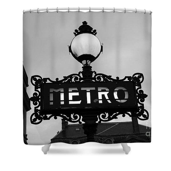 Paris Metro Sign Black And White Art - Ornate Metro Sign At The Louvre - Metro Sign Architecture Shower Curtain