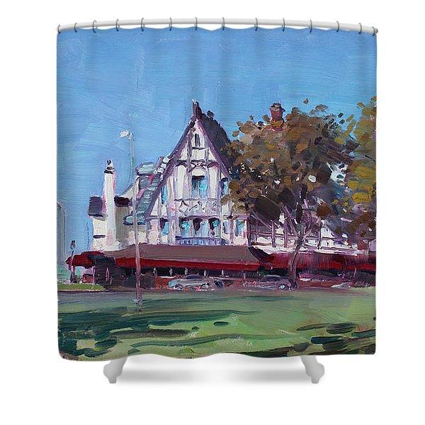 Red Coach Inn Niagara Falls Ny  Shower Curtain