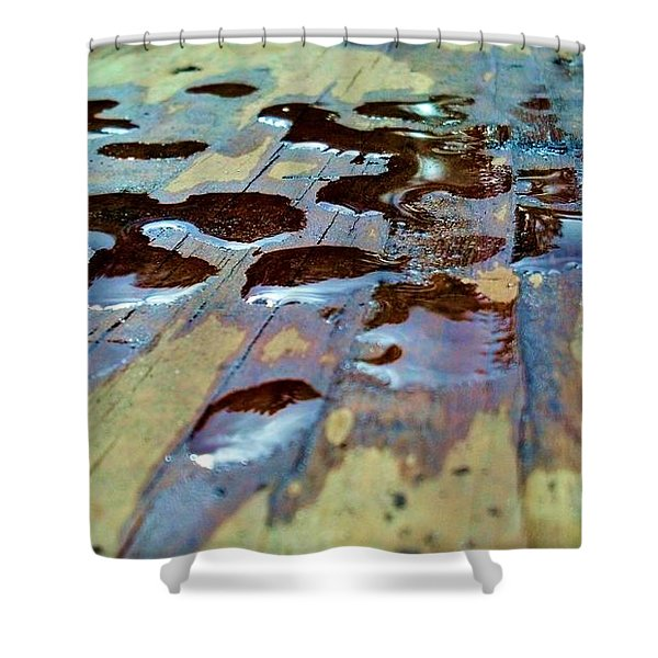 Standing Drops Shower Curtain