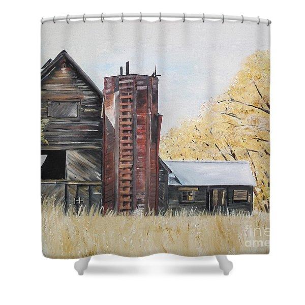 Golden Aged Barn -washington - Red Silo  Shower Curtain