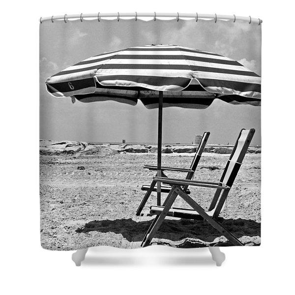 Umbrella Shade Shower Curtain