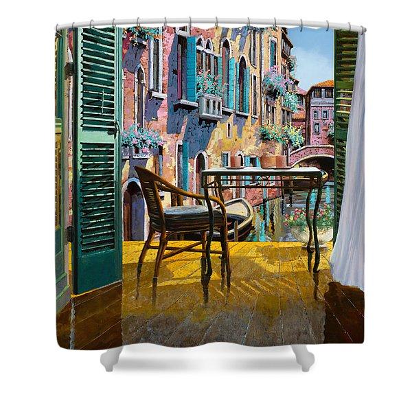 Un Soggiorno A Venezia Shower Curtain