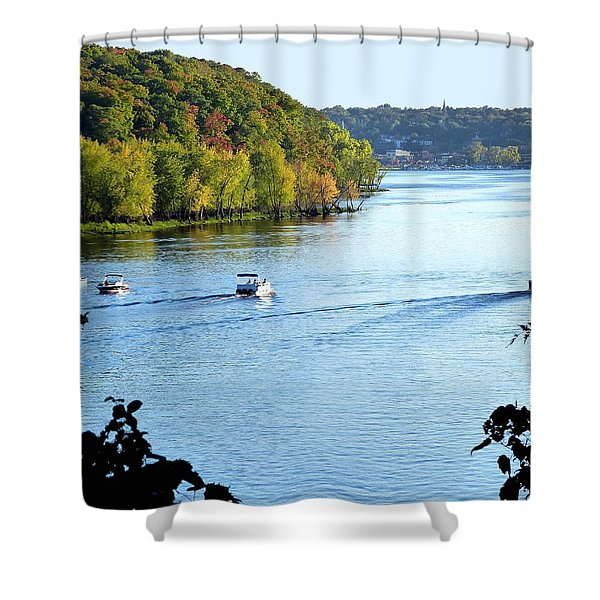 Wisconsin And Minnesota Shower Curtain