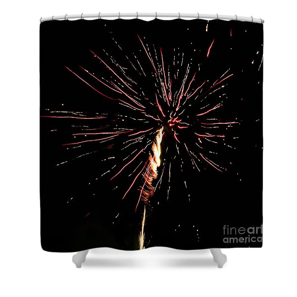 Shower Curtain featuring the photograph Explode by Agusti Pardo Rossello
