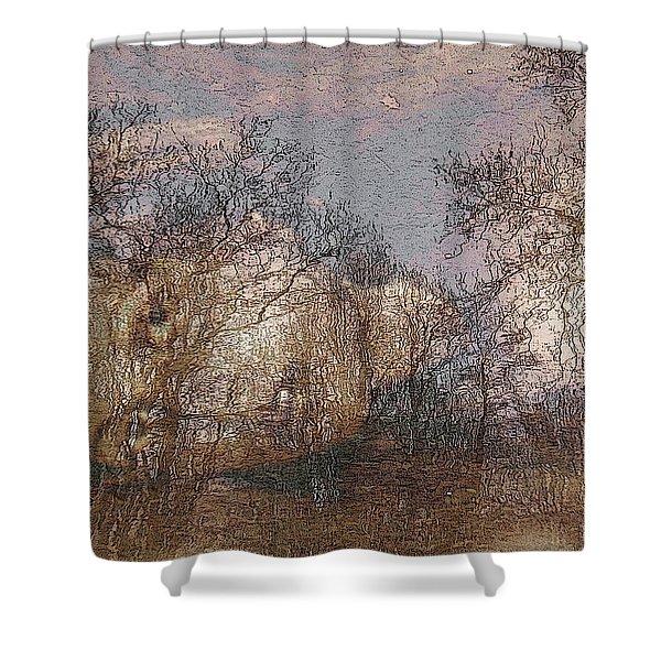 Ofelia Shower Curtain