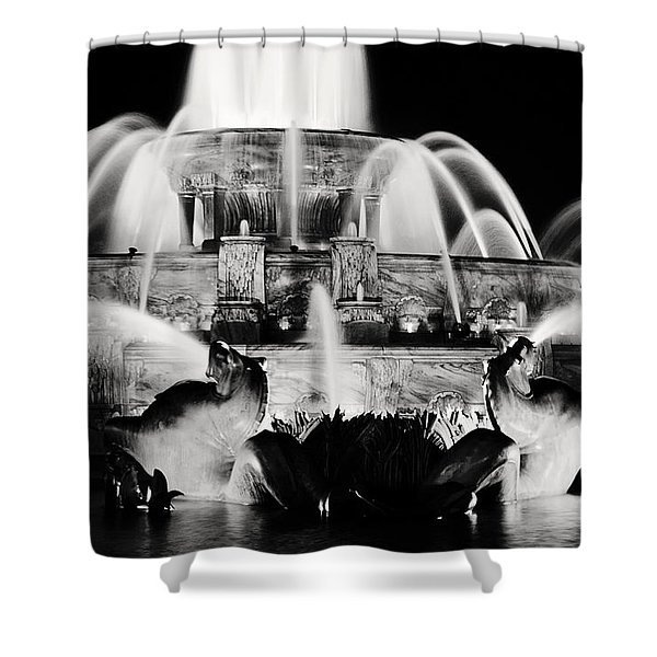 Buckingham Fountain At Night Shower Curtain