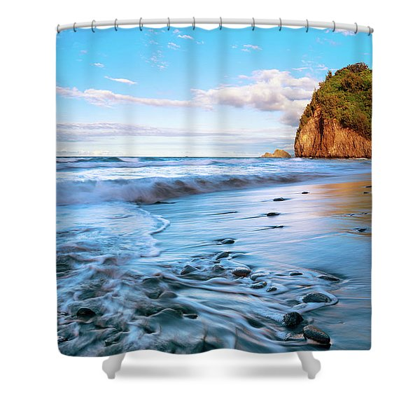 Pololu Valley Shower Curtain