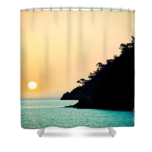 Seascape Sunrise Sea And Sun Shower Curtain