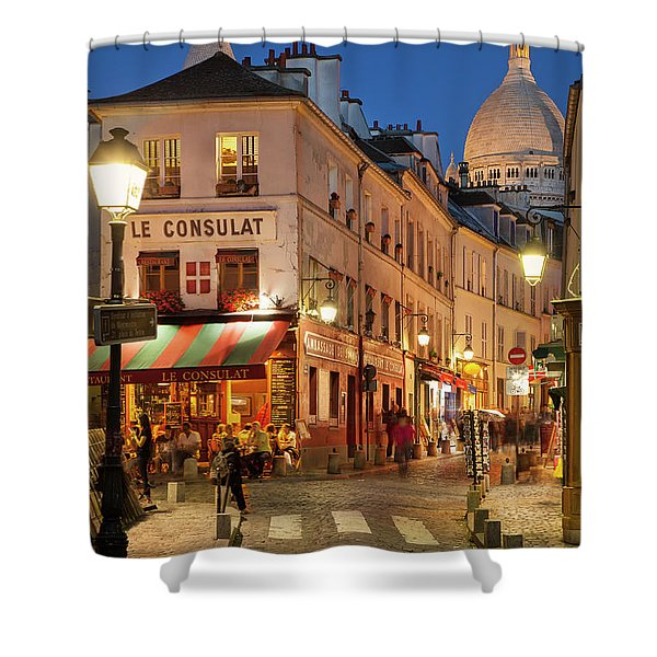 Shower Curtain featuring the photograph Montmartre Twilight by Brian Jannsen